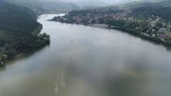 Почистват Панчаревското езеро