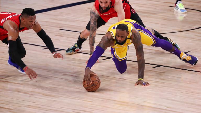 Лос Анджелис Лейкърс победи Хюстън Рокетс със 110-100 в четвъртия