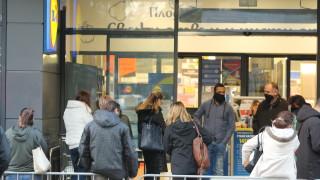 Три пъти дневно проверяват големите магазини в София