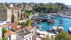 Турция кани Русия на преговори в Анталия