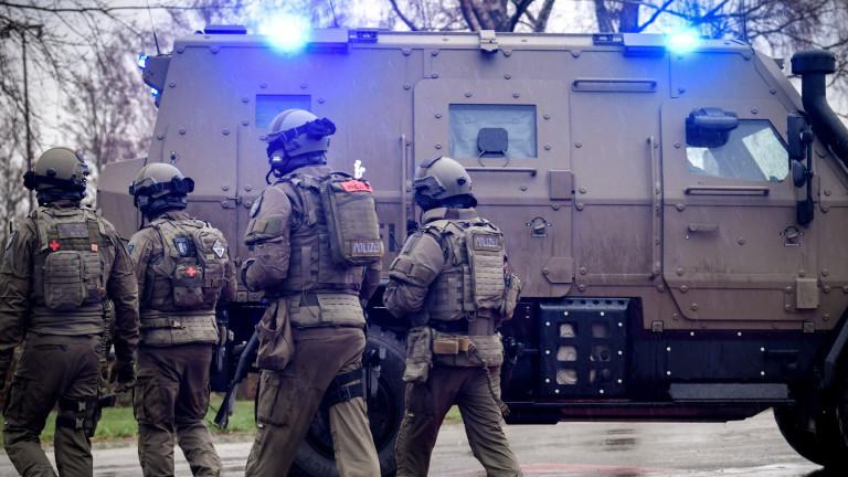 Германската полиция нахлу в джамия заради финансиране на ислямист