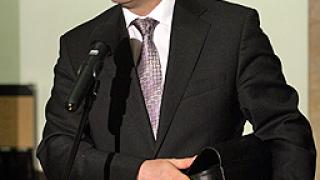 """12 000 документа на ден обещали от """"Сименс"""" на Цветанов"""