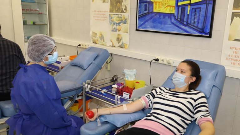 Националният кръвен център отправи апел за кръводарители