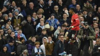 """Юнайтед се разправи с Ман Сити насред """"Етихад"""" и сякаш връчи шампионската титла на големия си враг Ливърпул"""