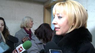 ЦИК се опитва да отклони ангажимента си за машинно гласуване, смята Мая Манолова