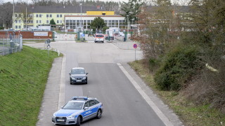 Заловените в Германия крайнодесни планирали шокиращи атаки срещу джамии