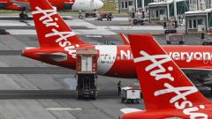 Възобновиха издирването на самолета на AirAsia