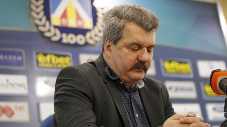 Тодор Батов празнува днес 60-годишен юбилей. Най-успешният президент на Левски