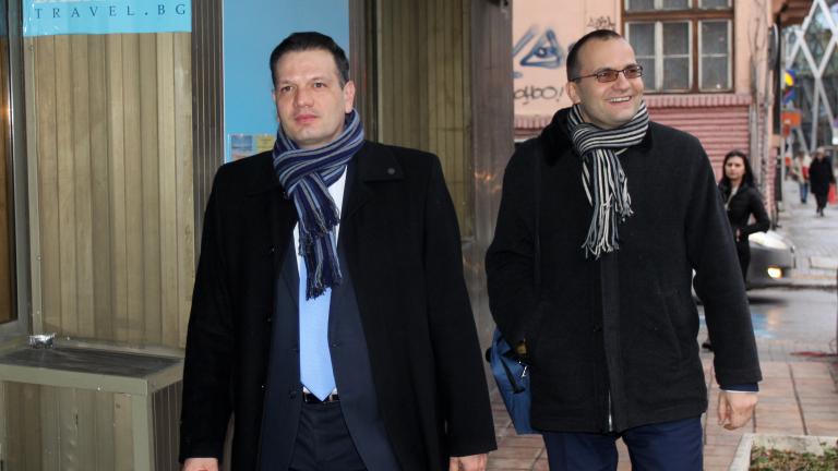 Прокуратурата да разследва сделки на КТБ, вместо приватизацията, зове Петър Славов