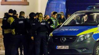 """Крайнодесният тероризъм - """"най-голямата опасност"""" за демокрацията в Германия"""