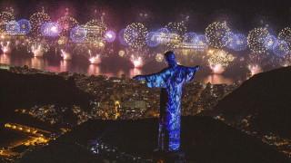 Целият свят вече се сбогува с 2018-а и приветства новата 2019 година