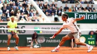 """Роджър Федерер ще играе на клей през 2020 година само на """"Ролан Гарос"""""""