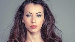 Секси учителката Силвия Зубева подготвя сватба с волейболист