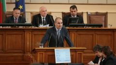 Цветанов скандализира опозицията с предизборна агитация от трибуната на НС