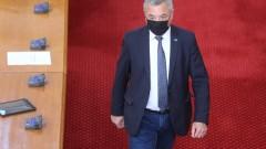 Валери Симеонов потвърди, че ограничават студения резерв