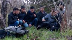 Хванаха 40 нелегални мигранти в Софийско