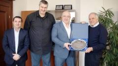 Волейболът благодари на министър Кралев