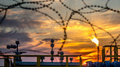 "Рискът ""Венецуела"" вдигна петрола над $79 за барел"