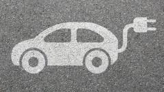 Министър в Румъния си купи електрическа кола, но не я ползва