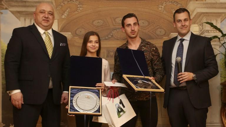 Министърът на младежта и спорта Красен Кралев награди най-добрите млади