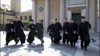 Италианските свещеници победиха с 1:0 италианските политици