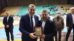 Щастливият Иво Ангелов: Провървя ми и на кмет, и на колеги, и на приятели