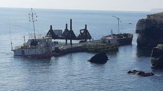 Вече разтоварват кораба Vera Su