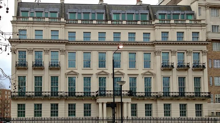 Колко струва и как изглежда най-скъпо продаденият имот в историята на Великобритания?