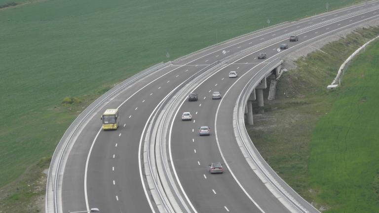 """Строим нови 9 км от автомагистрала """"Хемус"""""""