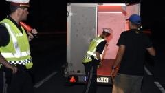 Румънски граничари заловиха българин, превозващ нелегално 10 мигранти