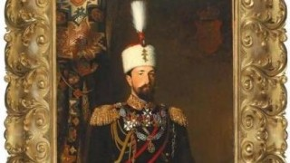 Показват сребърния поднос на княз Батенберг в Русенския музей