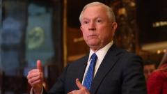 Главният прокурор Сешънс ще даде показания пред сенатори по руската афера