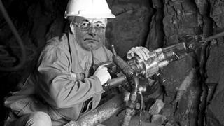Доган ще доказва познания по минно дело