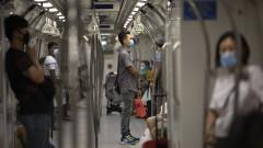 6 седмици затвор за британец, обиждащ хора и отказващ маска във влак в Сингапур