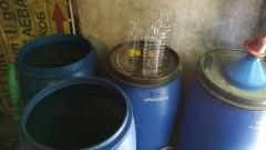 Откриха тон нелегален алкохол в къща в Пловдивско