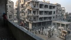 Десетки цивилни избити при въздушни удари на силите на Асад