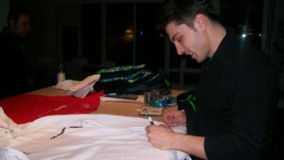 Подаряват фланелка с автографи на Музея на спорта