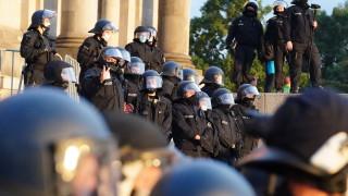 Протестиращи срещу  противоепидемичните мерки опитаха да нахлуят в Райхстага