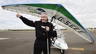 Сляп пилот прелетя разстоянието от Лондон до Сидни