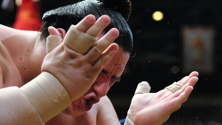 Победната серия на Аоияма в Осака продължава