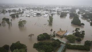 Наводнения евакуираха стотици в Австралия