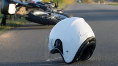 Бус помете мотоциклетист край Велико Търново