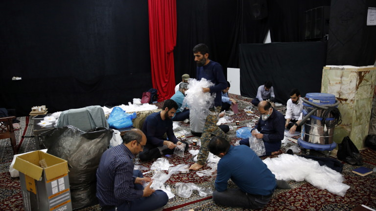 Починалите от коронавирус в Иран се увеличихасъс 133 до 3872