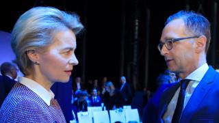 Маас и фон дер Лайен критикуват онлайн платформите и ще се борят за демокрацията