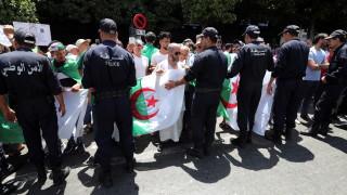Нов кандидат за президент в Алжир