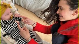 Нина Добрев и едно бебе