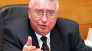 Корнезов: Играят си с конституцията като на тото2