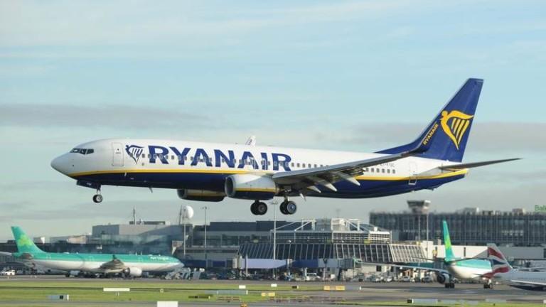 Ryanair с рекордна загуба след 80% спад на полетите си по време на пандемията