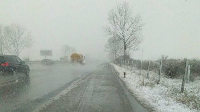 199 снегорина чистят в София