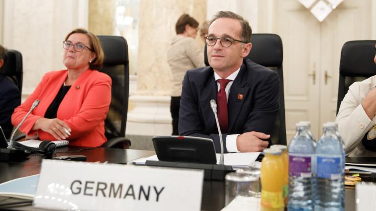 Германия зове ЕС да не стои пред САЩ като зайци пред боа